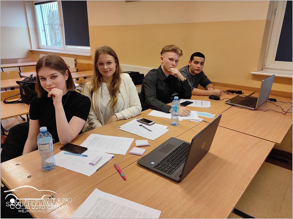 Uczestnicy debaty ze strony szkoły